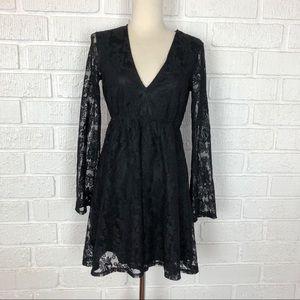 3/$30 EXPRESS black lace bell sleeve dress XS